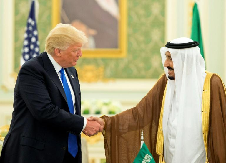 Trump appelle le Qatar à arrêter de financer