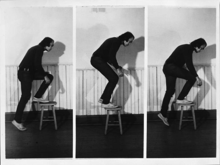 Vito Acconci : Step Piece (document of the activity), 1970
