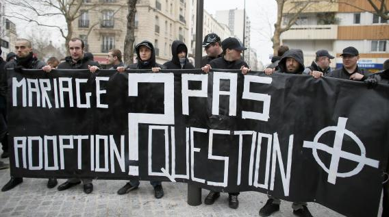 Des membres du GUD (groupe action défense) Photo - AFP