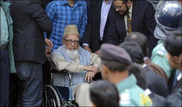 L'ancien dirigeant du parti Jamaat-e-Islami, Ghulam Azam, au tribunal international des crimes du Bangladesh- ©AFP