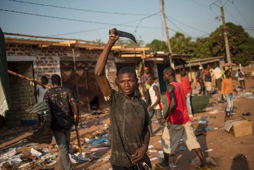 Un pilleur à Bangui / Photo AFP