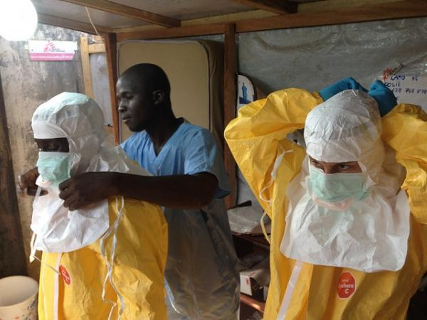 Le gouvernement de Sierra Leone impose des mesures de confinement pour combattre l'épidémie d'Ebola. (Photo : Flickr/EU Humanitarian Aid and Civil Protection/Creative Commons)