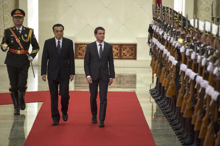 Manuel Valls et son homologue chinois Li Keqiang à Pékin le 29 janivers 2015 (AP Photo/Fred Dufour, Pool)