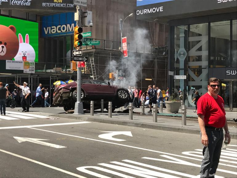 voiture accident times square