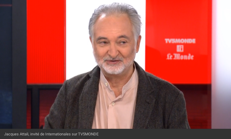 Jacques Attali, invité d'Internationales sur TV5MONDE