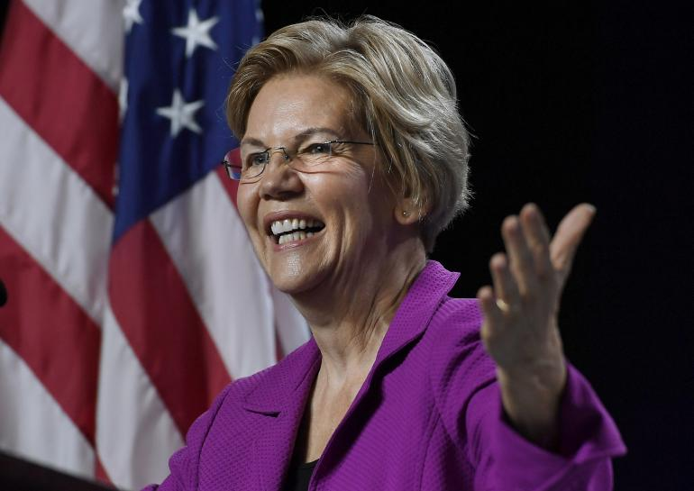 Elizabeth Warren lors d'un meetings de la Convention Démocrate dans son fief du Massachussetts.