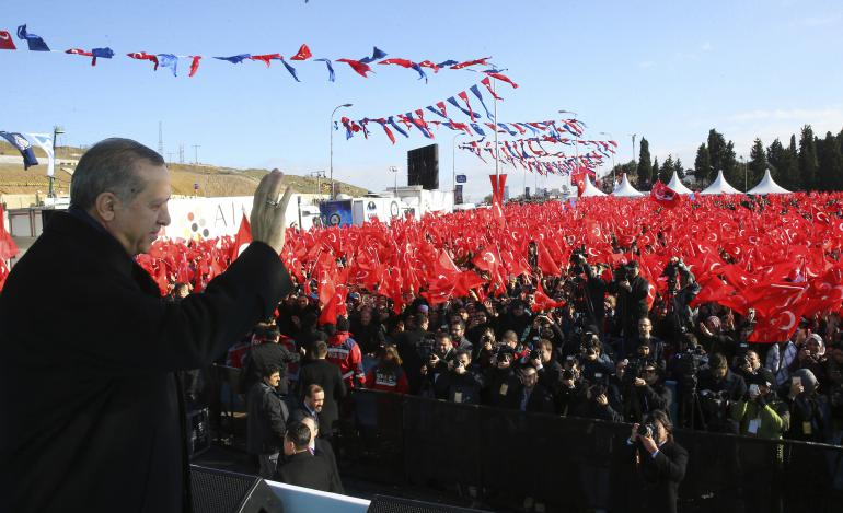 Le président Erdogan le 21 janvier à Istanbul, annonçant à ses partisans le prochain référendum constitutionnel.<br />