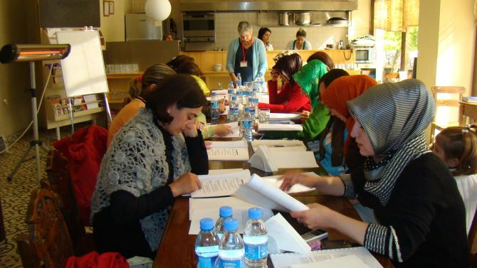 Sessions de formations pour des Turques intéressées par le microbusiness http://hasna.org/program-areas/women-in-business/