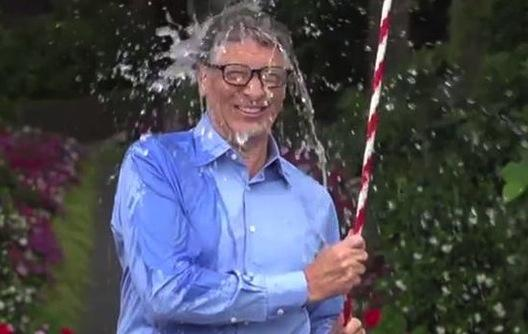 "Bill Gates participe au ""Ice Bucket Challenge"""