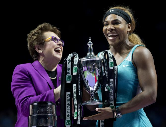 Billie Jean King et Serena Williams, lors de la finale du tournoi WTA de Singapour, le 26 octobre 2014.<br />