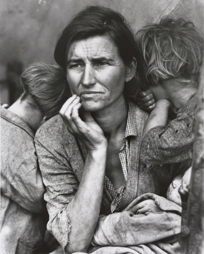 <strong>Dorothea Lange </strong>: Human Erosion in California (Migrant mother)