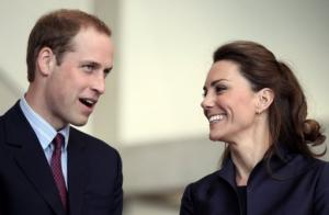 Le Prince William et Kate Middleton à Darwen, dans le nord-ouest de l'Angleterre, le 11 avril 2011 (©AFP)
