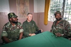 Bob Denard en 1995 aux Comores - Photo AFP