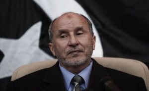 Mustapha Abdel Jalil, ex-ministre de la Justice devenu chef du Conseil national libyen (photo AFP)