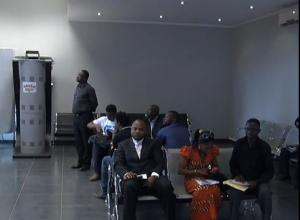 Attente à la Maison Schengen de Kinshasa - Capture Youtube