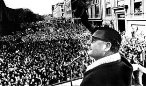 Allende en meeting (dr)