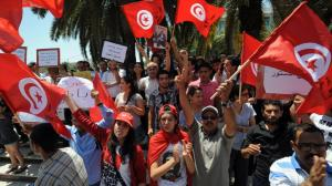 Les Tunisiens qui manifestent / Photo AFP