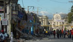 Port au Prince, au lendemain du séisme (photo Pascal Priestley)