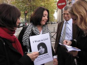 La militante Maryam Namazie à Paris (photo : C. Sarret)
