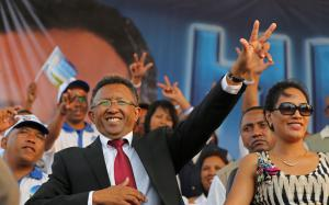 Hery Rajaonarimampianina en 2013, peu avant son élection.<br />