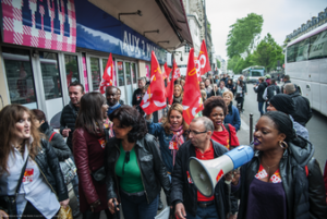 Rassemblement devant un magasin Tati le 4 mai.<br />