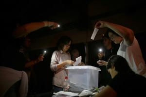 Scène de vote à Barcelone le 1er octobre 2017<br />